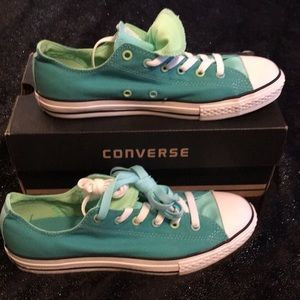 Blue/Green converse with multi tongue!
